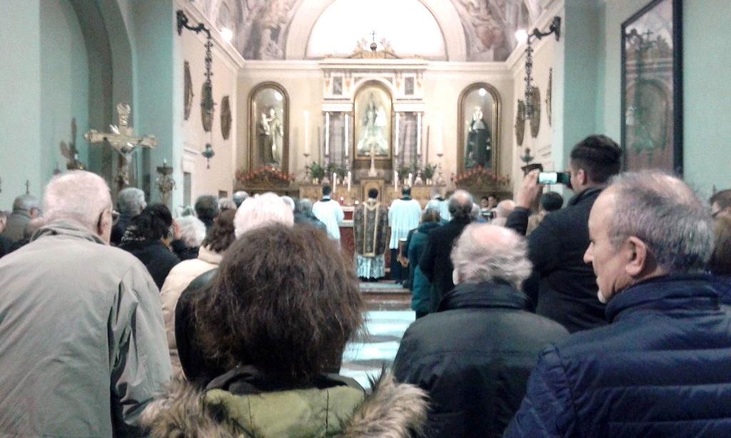Domenica a lecco messa in latino con la soprano pedrone for Vangelo del giorno ambrosiano